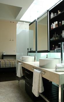 baños-casa-de-lujo-baños-modernos-diseño-grifos