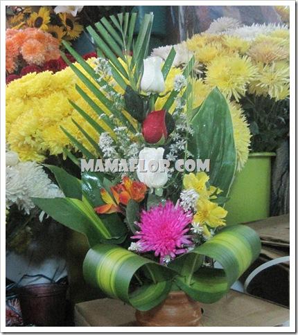 Arreglo Floral Con Tres Rosas Manualidades Mamaflor