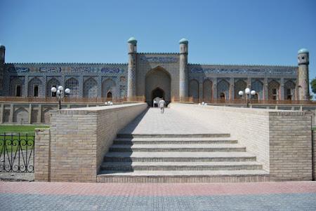Obiective turistice Uzbekistan: Kokand-Palatul Hanului Khudoyar