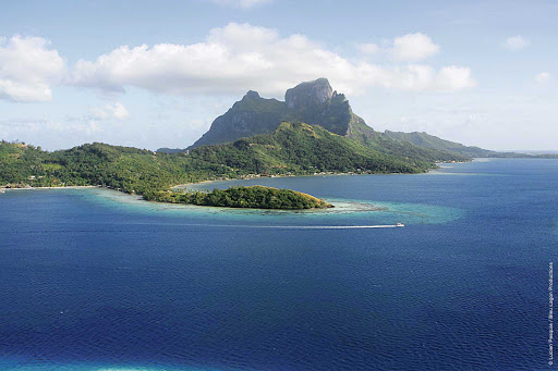 Silversea-Silver-Discoverer-Bora-Bora - Sail with Silver Discoverer to the beautiful lagoons of Bora Bora in French Polynesia.