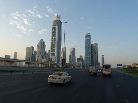 Imagini din Dubai de dimineata