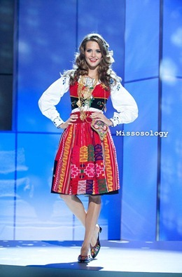 miss-uni-2011-costumes-16