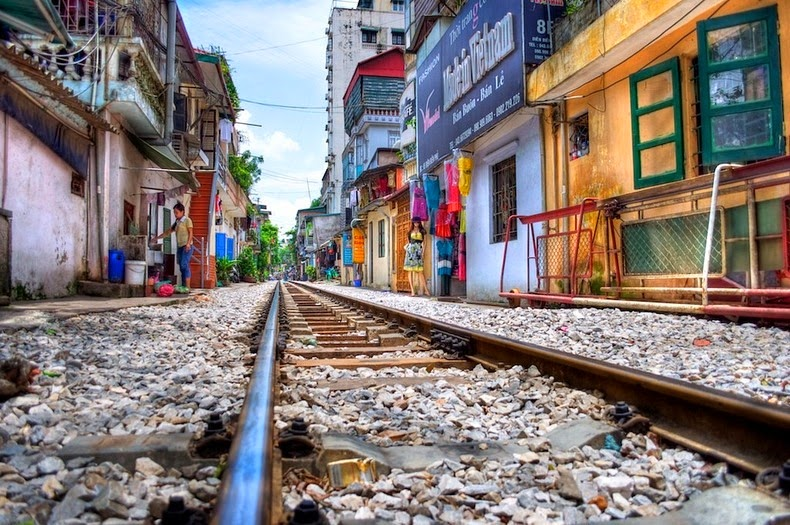 hanoi-train-track-16