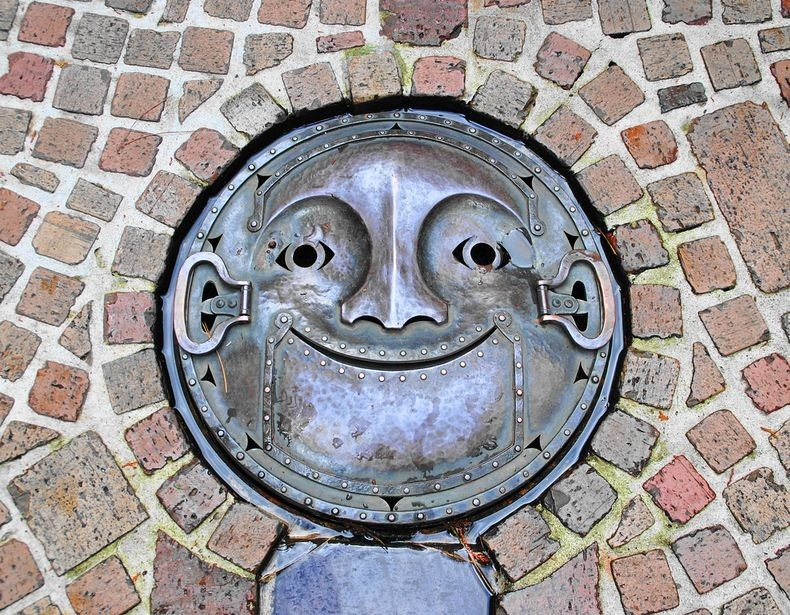 japan-manhole-covers-2