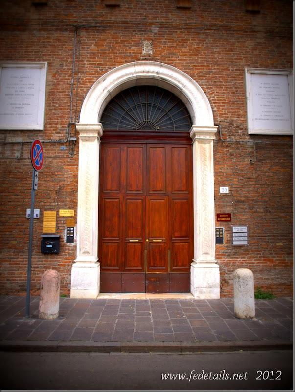 Palazzo Strozzi Sacrati ( portone ), Ferrara, Emilia romagna, Italia - Palace Strozzi Sacrati ( doorway ), Ferrara, Emilia Romagna, Italy - Property and Copyrights of www.fedetails.net