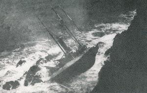 Restos del BAZAN en Cabo Bear. Foto del libro LES EPAVES DE LA COTE VERMEILLE.HISTOIRE ET EXPLORATION.jpg