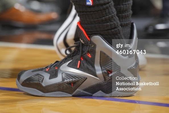 reputable site 8597d 50155 PE Spotlight Nike LeBron XI 8220Miami Nights8221 Carbon PE ...