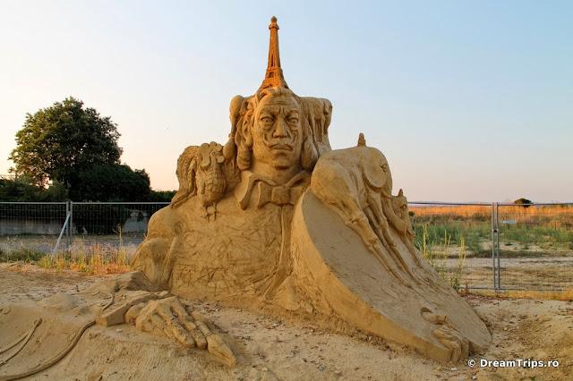 sculpturi nisip Burgas Salvador Dali.JPG