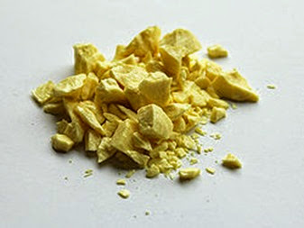 250px-Sulfur-sample