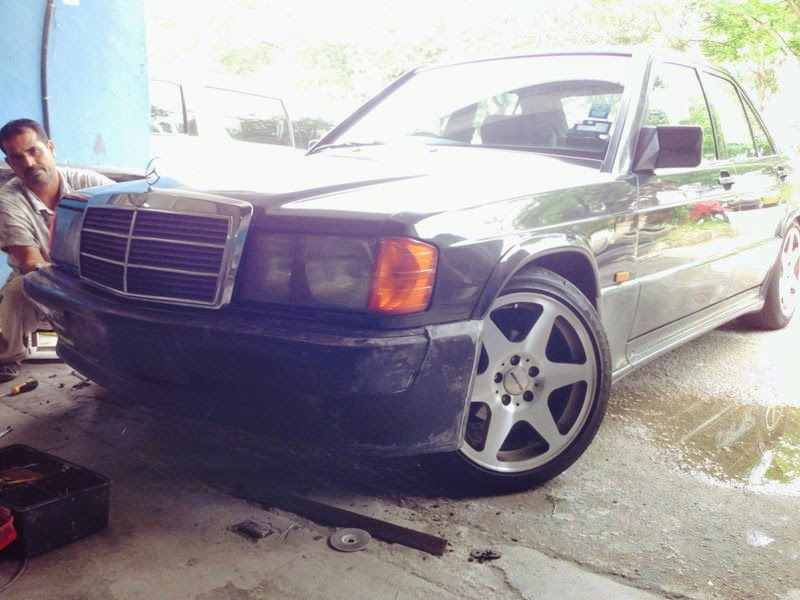 Motoring malaysia update on the mercedes benz 190e 2 3 8v for Mercedes benz 190e front bumper