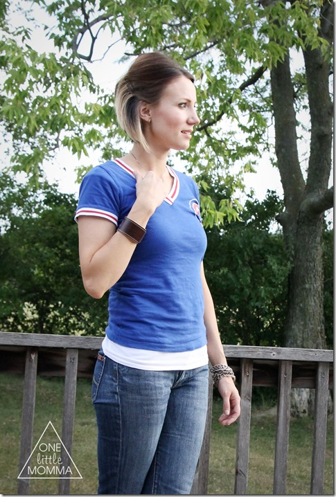 Pair a vintage tee with cropped boot cut jeans for a casual chic end of Summer look. Perfect for a baseball game or barbeque!