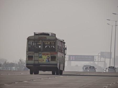 02. Autostrada Yamuna.JPG