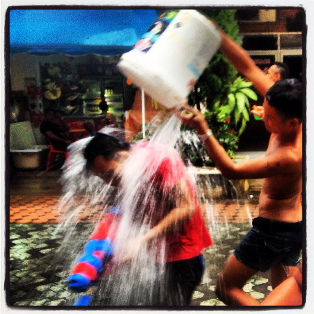 Сонгкран! Songkran! สงกรานต์ 2013 :)