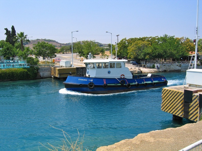 corinth-canal-submersible bridge-11
