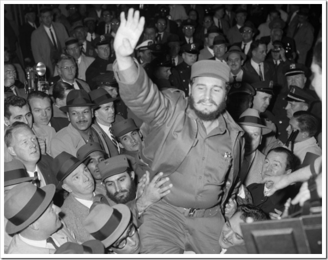 fidel-castro-greets-crowds-new-york-city-1959