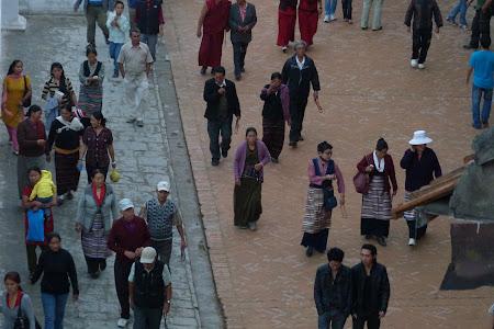 Imagini Nepal: credinciosi budisti