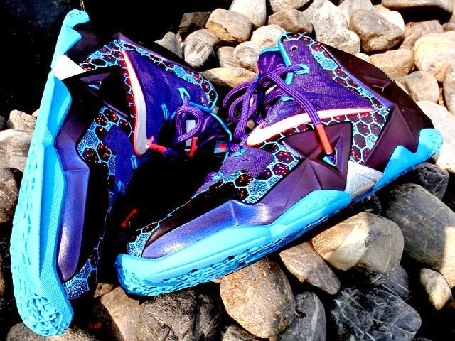 the latest 18a36 8f03b First Look at Nike LeBron 11 Summit Lake Hornets (616175-500)   NIKE LEBRON  - LeBron James Shoes