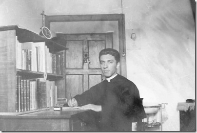 padre_francisco_no quarto_29061936
