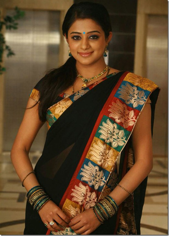 priyamani_in_saree_pics