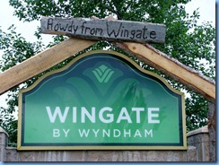 0836 Alberta Calgary -Wingate hotel entrance sign