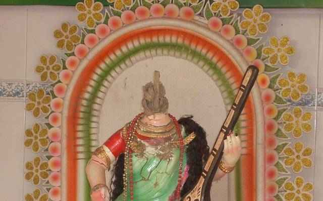 Islami miscreants vandalised a Saraswati idol at a temple beside the residence of ruling-party Member of Parliament (MP) Mohammad Atiur Rahman Atique in Sherpur city's Madhabpur.