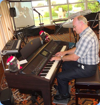Alan Dadson played the Club's Clavinova CVP-509