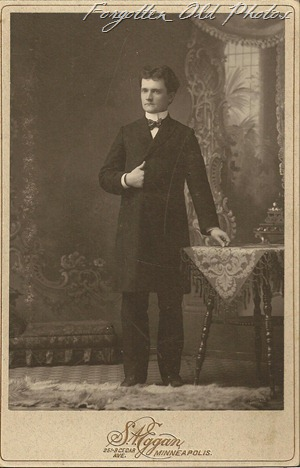 Cabinet Card Man from jen Grand Forks Antique mall