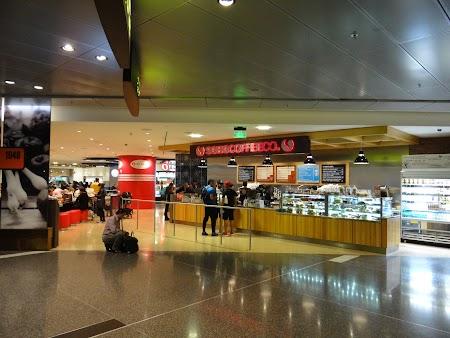11. Cafenea in aeroport.JPG