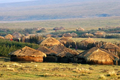 Maasai_village,_Lolmalasin
