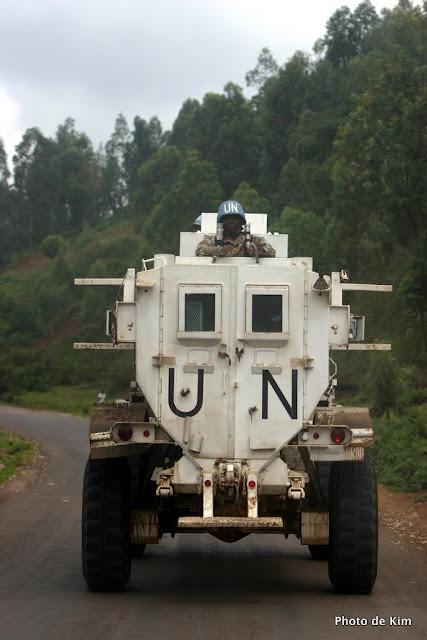 Véhicule blindé des forces armées sud africaines de la MONUC. Bukavu, 2004.