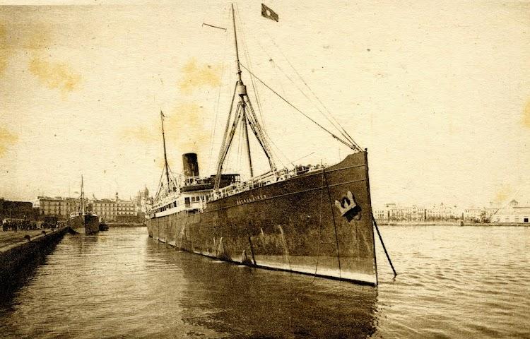 Vapor BUENOS AIRES. Cadiz. Ca. 1920s. Postal.jpg