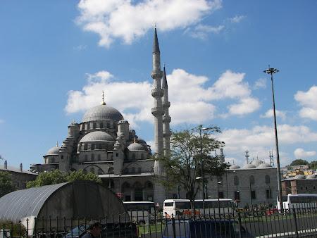 17. moscheea Yeni Valide Istanbul.JPG