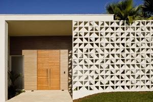 fachada-Casa-do-Patio-de-Leo Romano