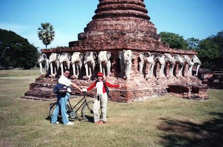 145. statui elefanti.jpg