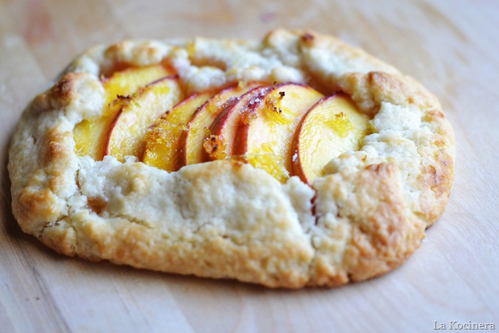 peach crostata 1