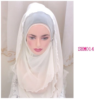shawl halfmoon off white