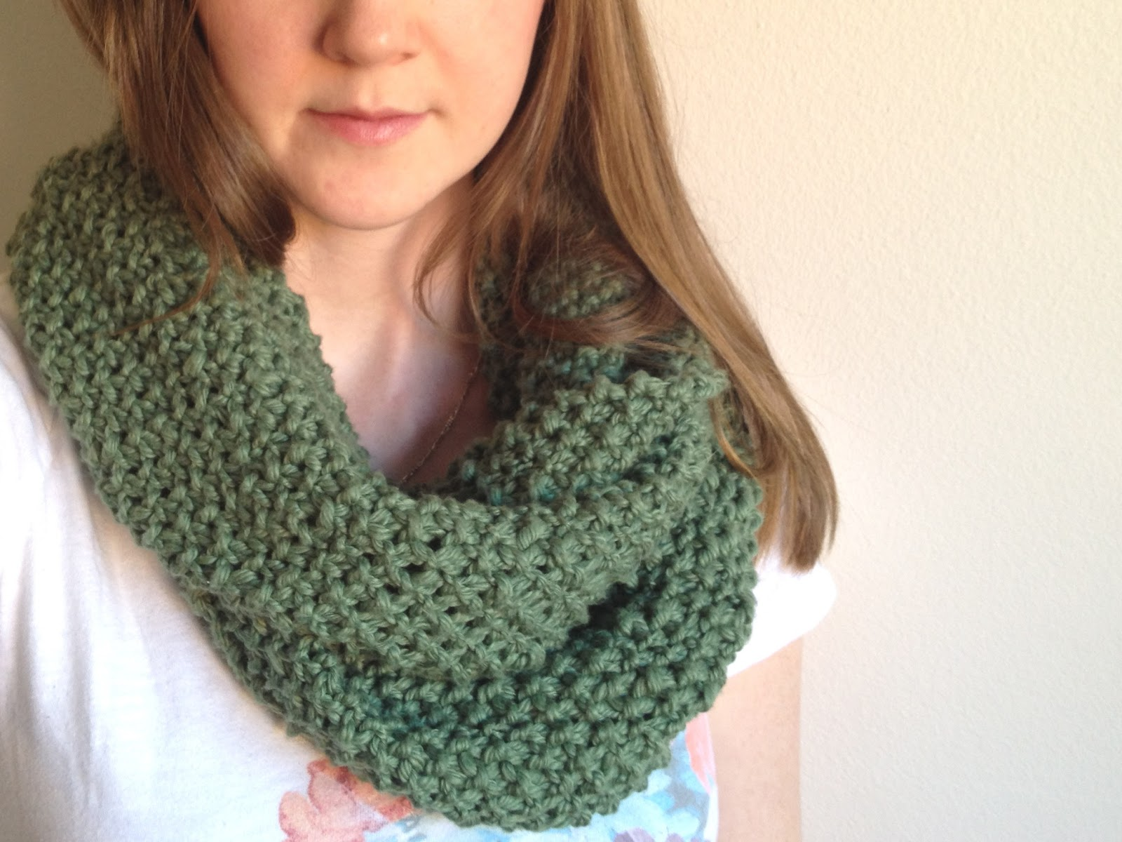 Knitting Scarf Patterns Infinity Scarf : Tinselmint: free infinity scarf pattern for beginners