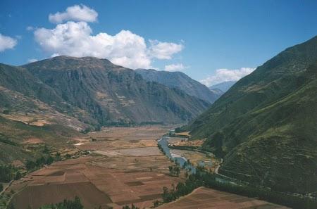 01. Valea Sacra a incasilor.jpg