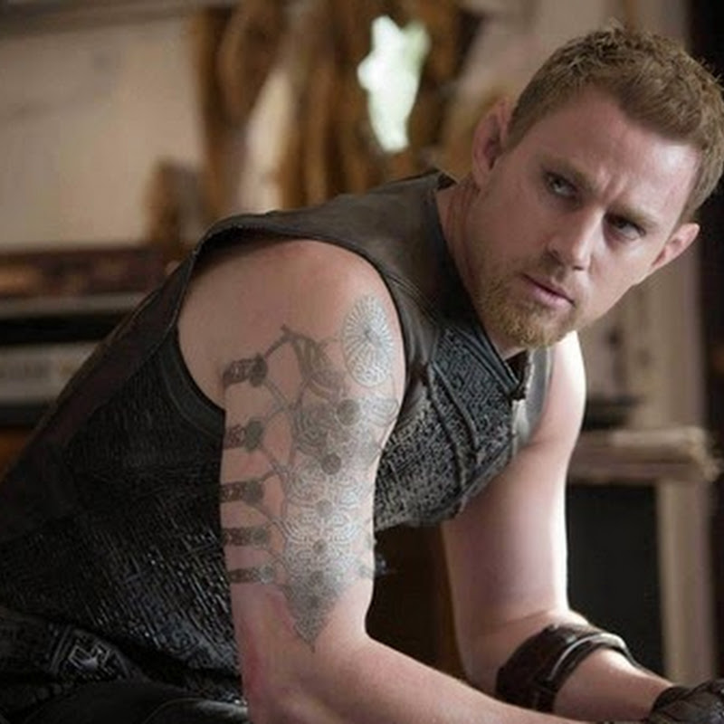 "Tatum, Kunis Play Star-Crossed Lovers in ""Jupiter Ascending"" (Opens Feb 5)"