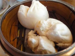 Pain au porc laqué à la vapeur au Restaurant le Mandarin à Genève
