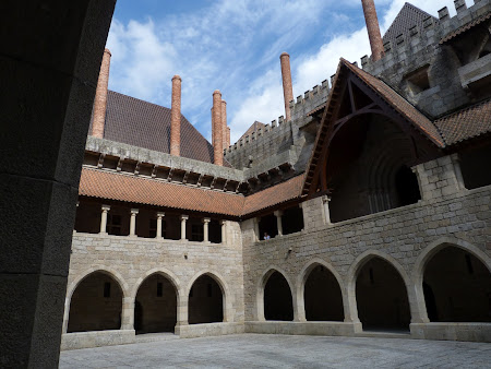 Obiective turistice Portugalia: palatul ducilor de Guimaraes
