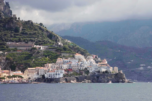 coastline-amalfi-italy - Amalfi Coast between Amalfi and Positano, Italy.