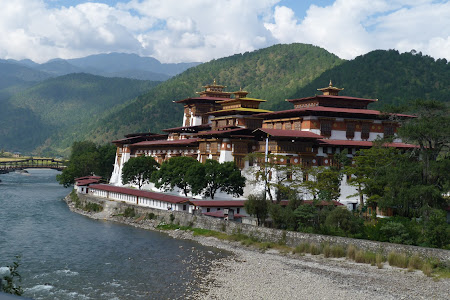 Obiective turistice Bhutan: Punakha dzong