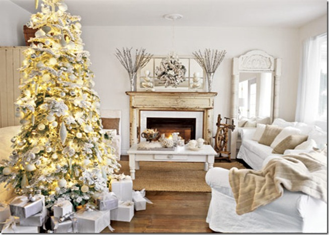 Christmas-Tree-White-Room-HTOURS1206-decountryliving