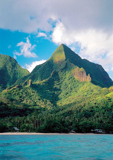 Mountains-in-Moorea - Mountains on Mo'orea are remnants of the extinct volcano that formed the island.