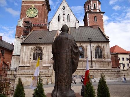 03. Catedrala din Cracovia.JPG