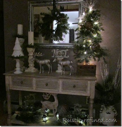Christmas Décor in the Entry @ Rustic-refined.com