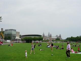 Museumplein à Amsterdam