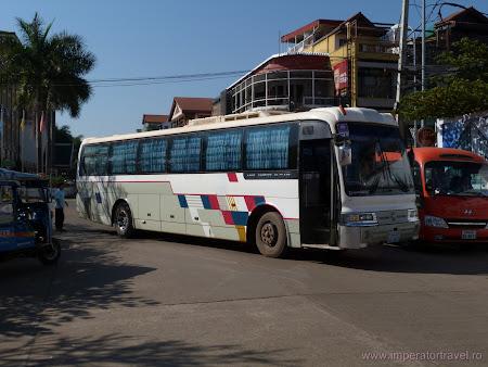 29. Vang Vieng bus.JPG