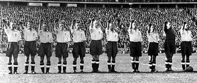 German football team making Nazi salute